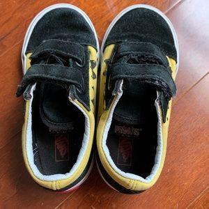 Vans Shoes - Peanuts Vans Charlie Brown